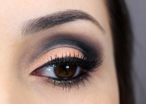 01-maquiagem-laranja-com-concavo-marcado-cut-crease-